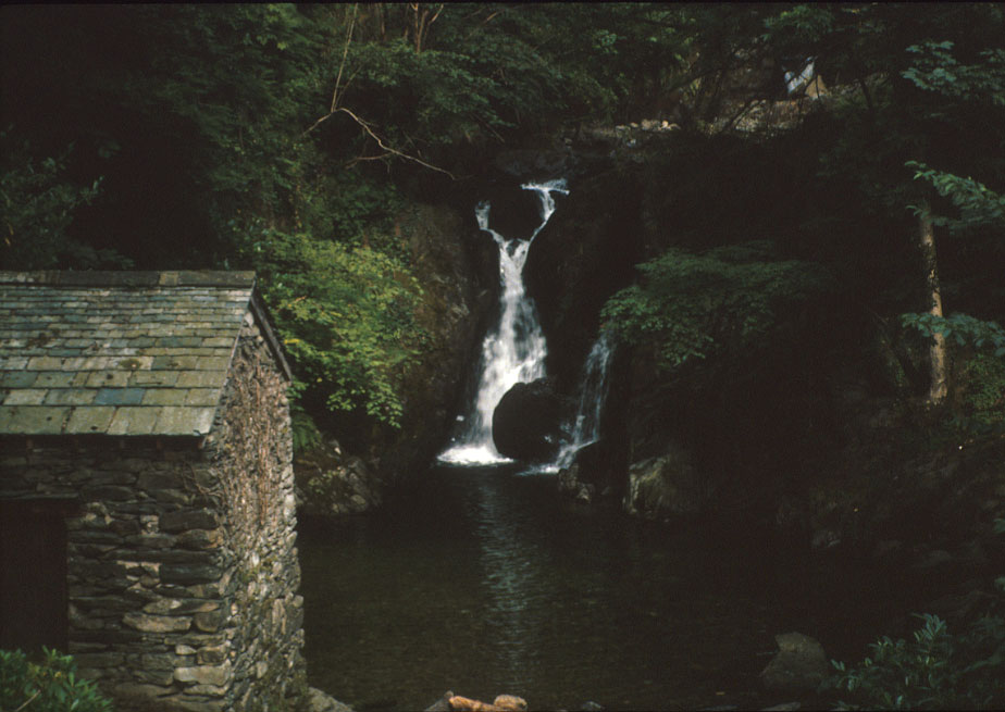 Lower Rydal Falls with Summer House (Photo: Alan Liu)